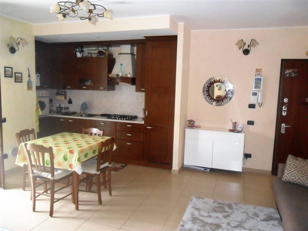 Appartamento in vendita a Arcore, 3 locali, prezzo € 195.000 | CambioCasa.it
