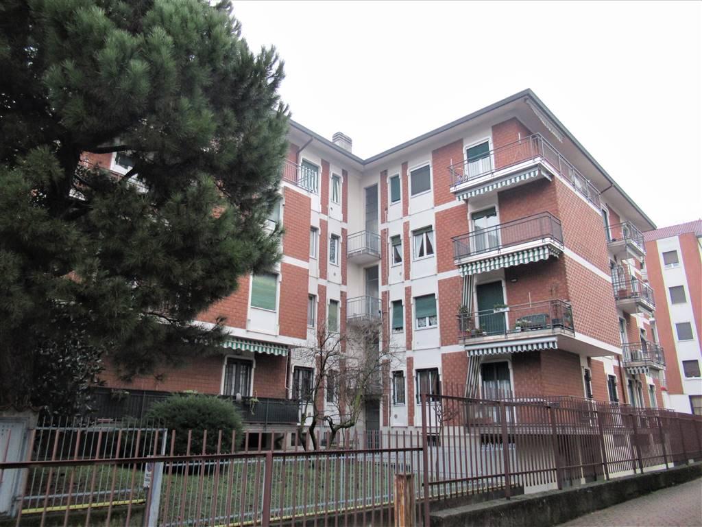 Appartamento in vendita a Vimercate, 3 locali, zona Zona: Oreno, prezzo € 90.000   CambioCasa.it