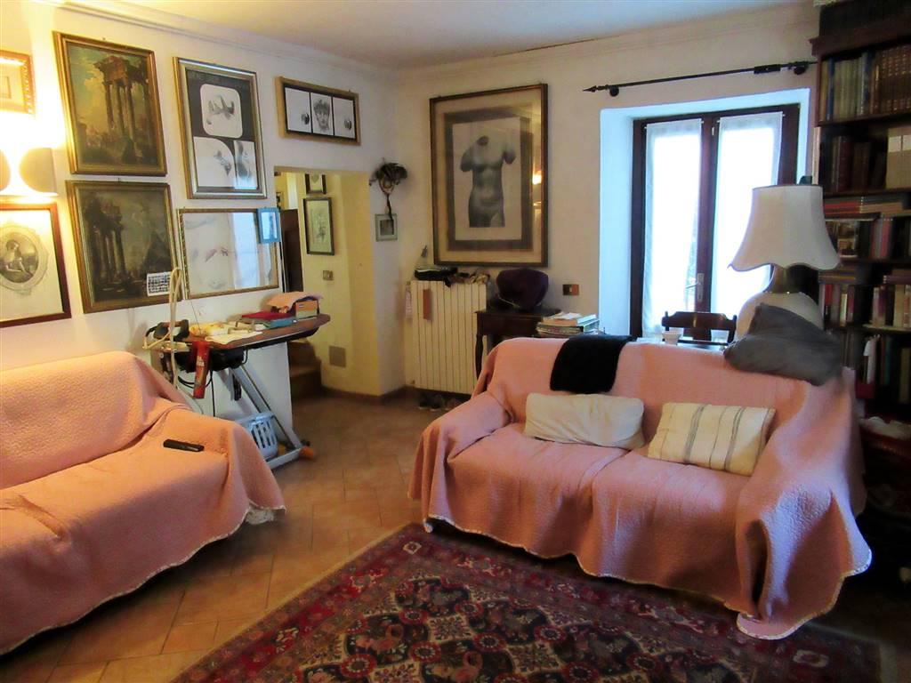 Villa in vendita a Viganò, 9 locali, prezzo € 540.000 | CambioCasa.it