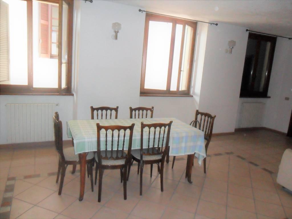 Appartamento in vendita a Vimercate, 3 locali, prezzo € 160.000   CambioCasa.it