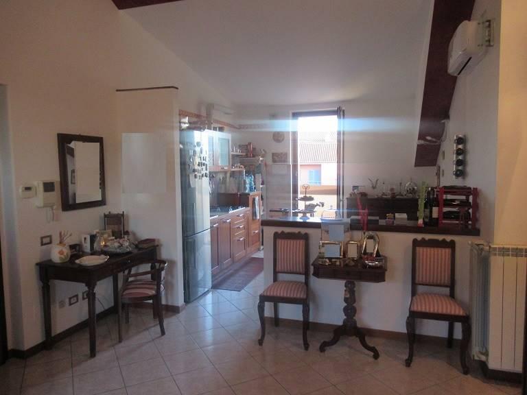 Appartamento in vendita a Bernareggio, 3 locali, prezzo € 149.000 | PortaleAgenzieImmobiliari.it
