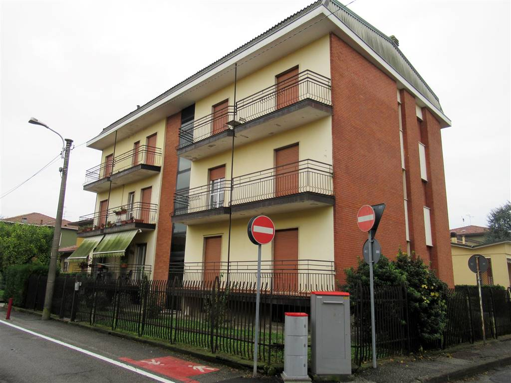Appartamento in vendita a Arcore, 3 locali, prezzo € 128.000 | CambioCasa.it