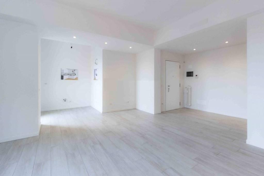 Appartamento in vendita a Lissone, 3 locali, prezzo € 195.000 | CambioCasa.it