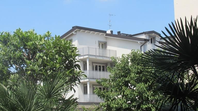 Appartamento in vendita a Macherio, 3 locali, prezzo € 280.000 | CambioCasa.it