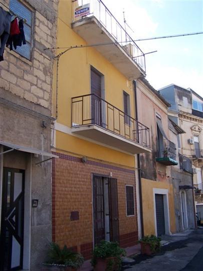 Soluzione Indipendente in vendita a Lentini, 3 locali, prezzo € 45.000 | CambioCasa.it