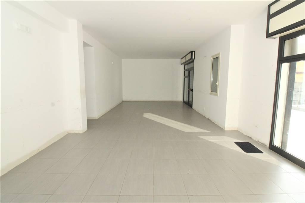 Ufficio / Studio in affitto a Lentini, 9999 locali, zona Località: CENTRO, prezzo € 800 | CambioCasa.it