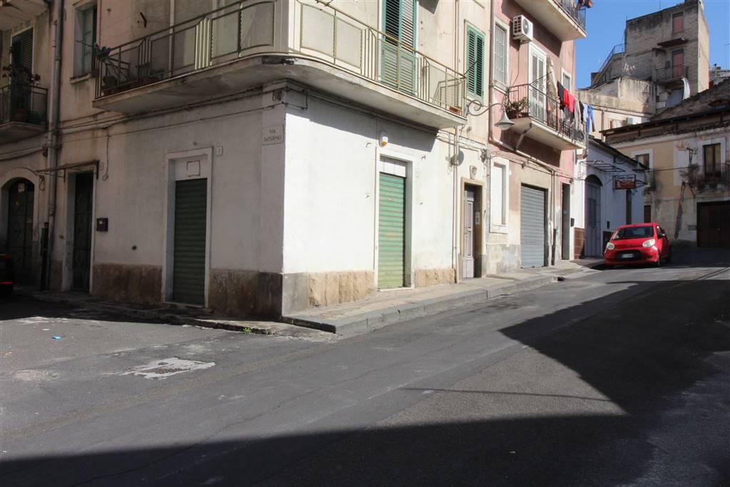 Laboratorio in vendita a Lentini, 9999 locali, zona Località: CENTRO, prezzo € 18.000   CambioCasa.it