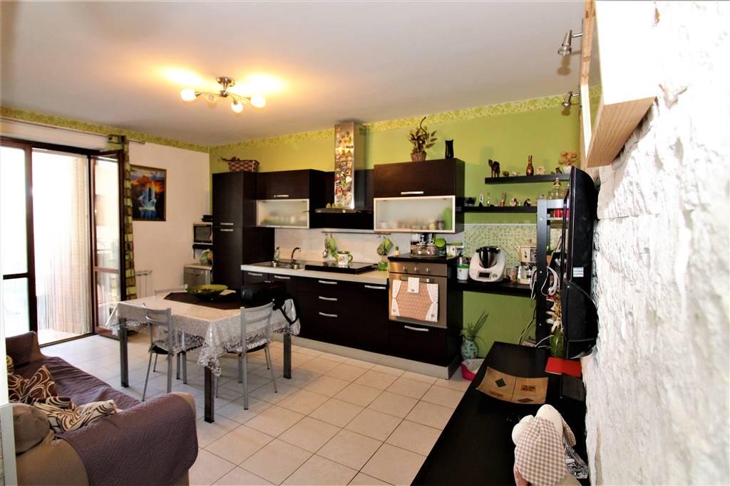 Appartamento in vendita a Lentini, 3 locali, zona Località: PATIO, prezzo € 65.000 | CambioCasa.it