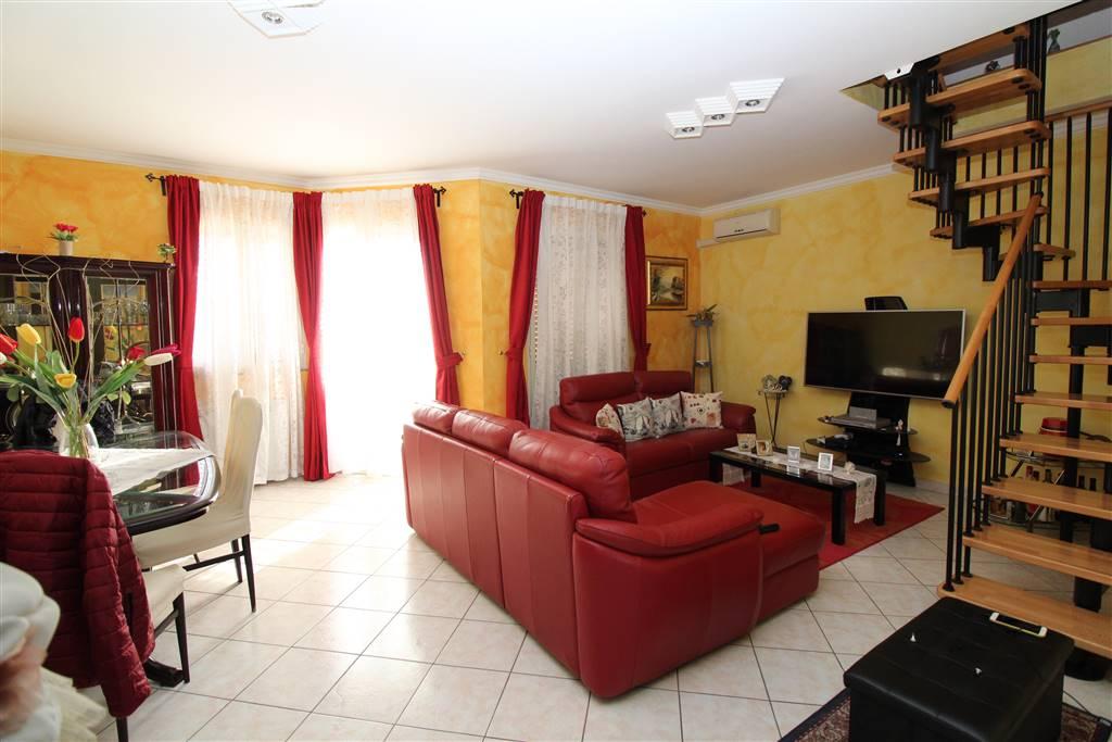 Appartamento in vendita a Carlentini, 5 locali, zona Località: BALATE ZACCO, prezzo € 178.000 | PortaleAgenzieImmobiliari.it