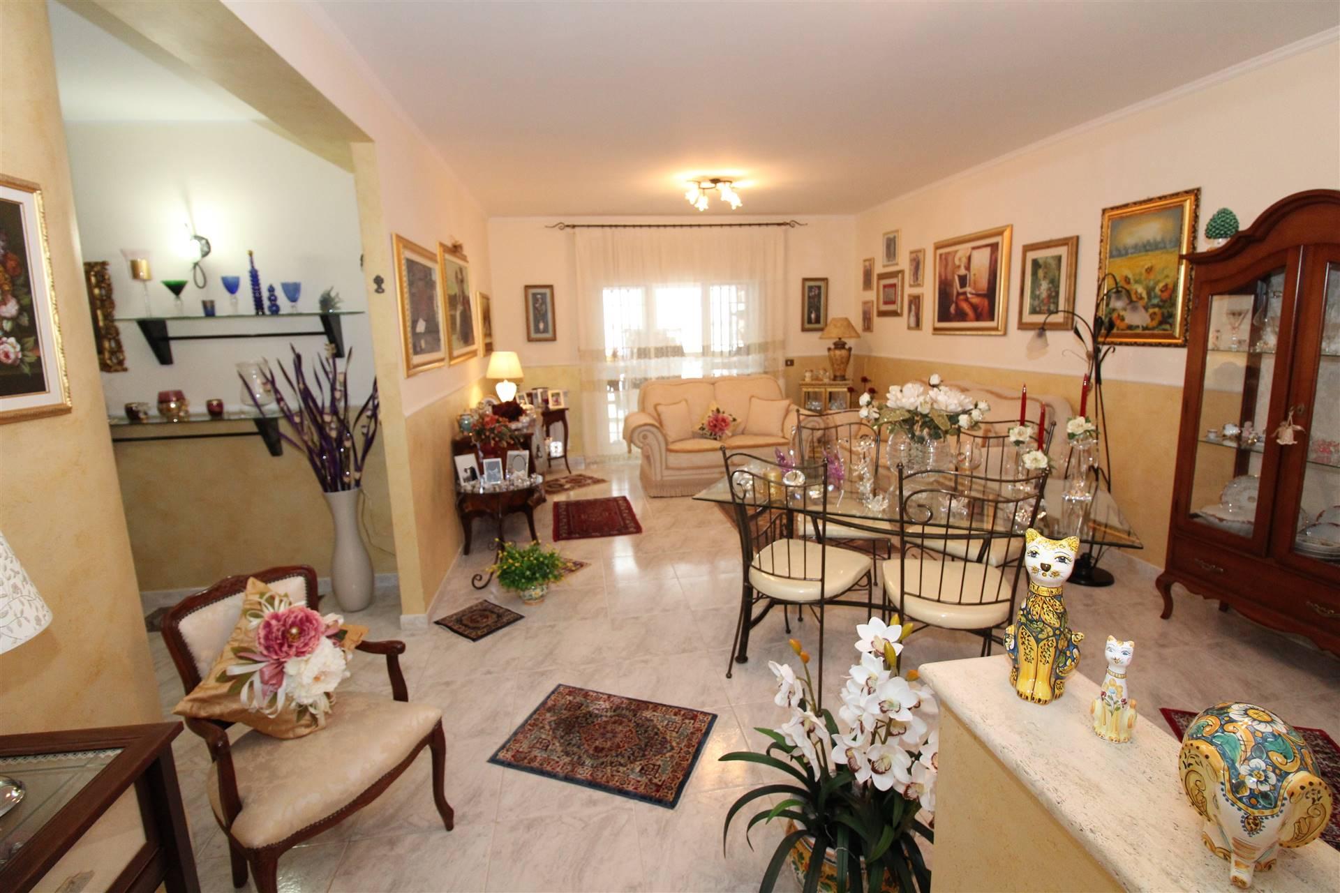 Appartamento in vendita a Lentini, 4 locali, zona Località: 167, prezzo € 110.000 | CambioCasa.it