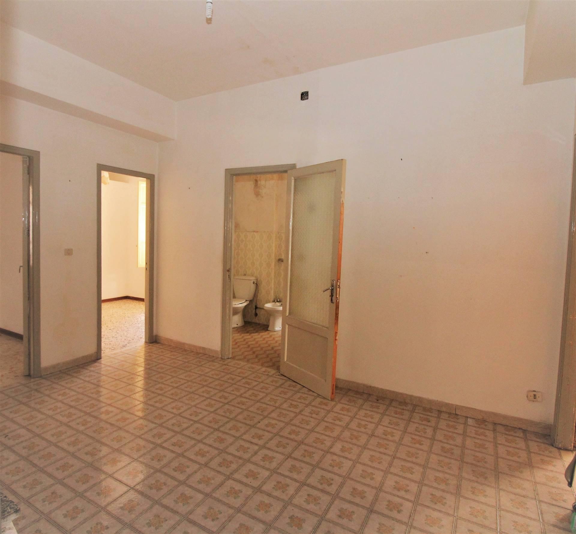Soluzione Semindipendente in affitto a Lentini, 4 locali, zona Località: SOPRA FIERA, prezzo € 200 | CambioCasa.it