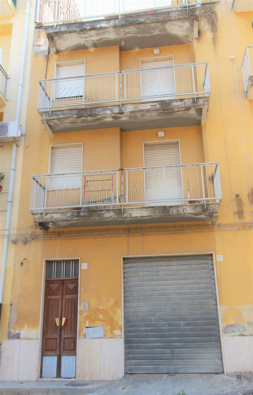 Soluzione Indipendente in affitto a Lentini, 4 locali, zona Località: SOPRA FIERA, prezzo € 250 | CambioCasa.it