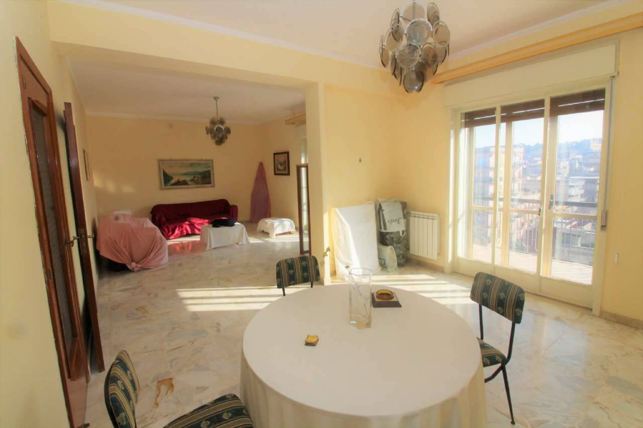 Appartamento in vendita a Lentini, 8 locali, zona Località: CENTRO, prezzo € 150.000 | CambioCasa.it