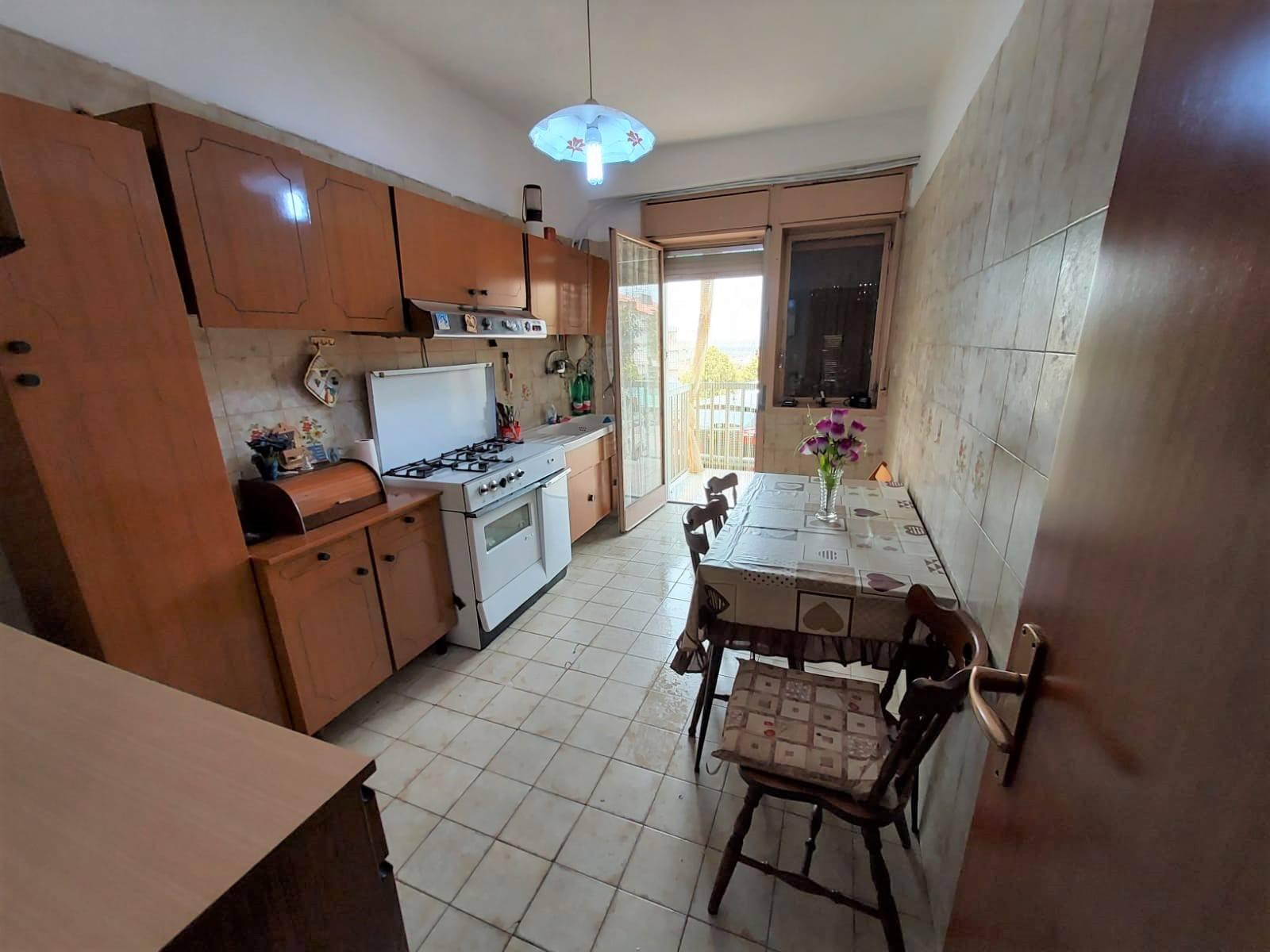 Appartamento in vendita a Carlentini, 4 locali, zona Località: SANTUZZI, prezzo € 65.000 | PortaleAgenzieImmobiliari.it