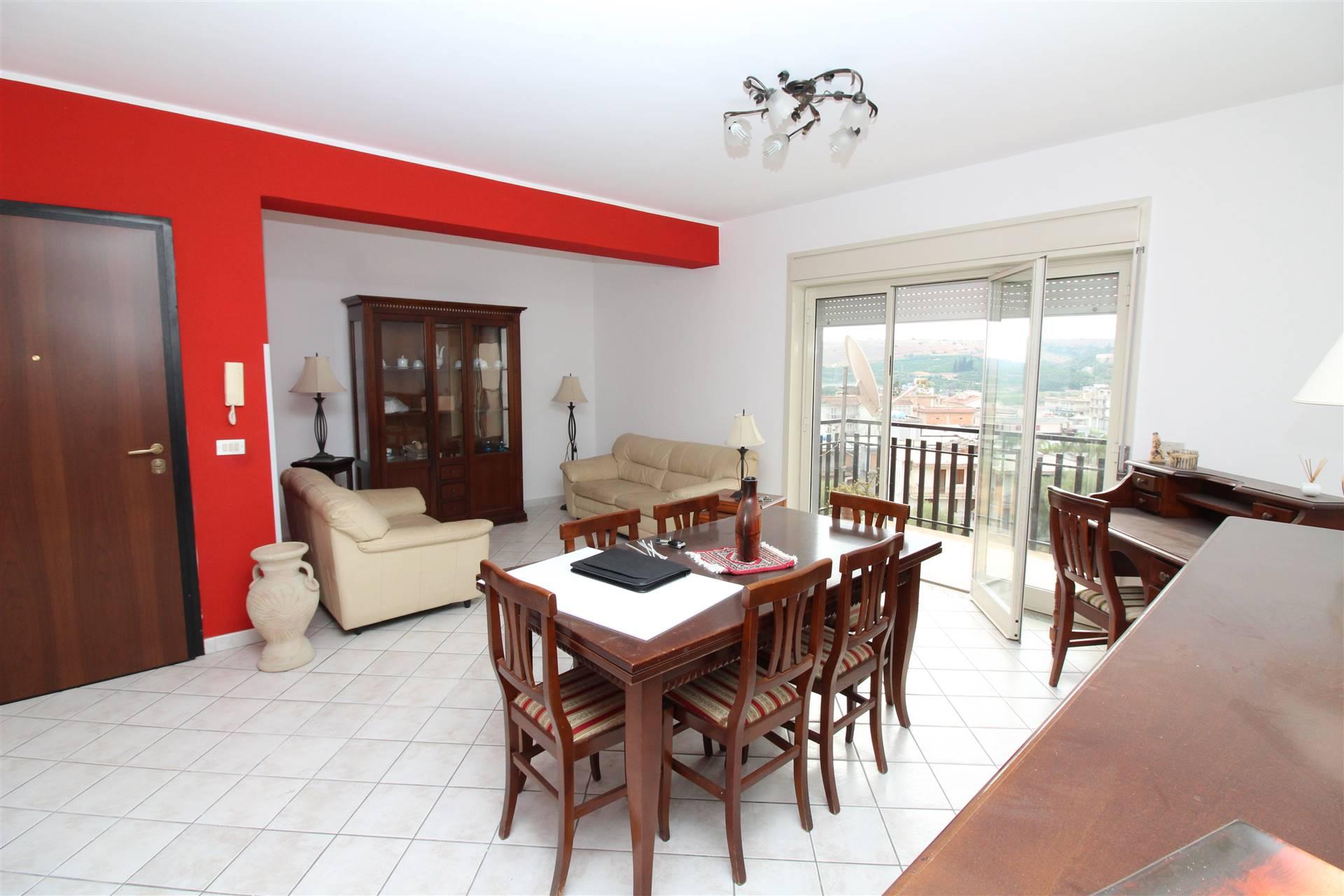 Appartamento in vendita a Lentini, 4 locali, zona Località: S. ANTONIO, prezzo € 131.000 | CambioCasa.it