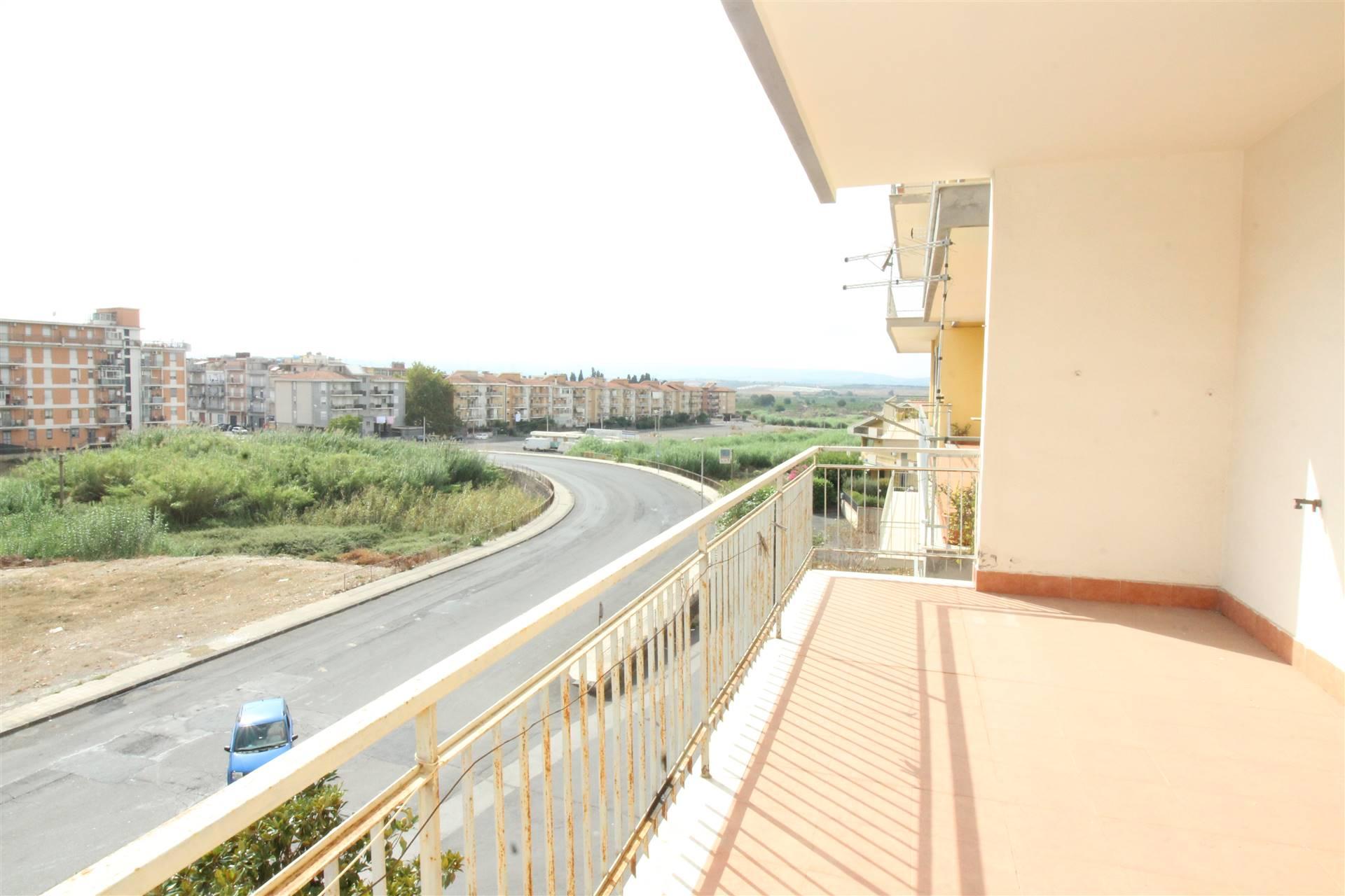 Appartamento in vendita a Lentini, 4 locali, zona Località: CRISTO RE, prezzo € 75.000 | CambioCasa.it