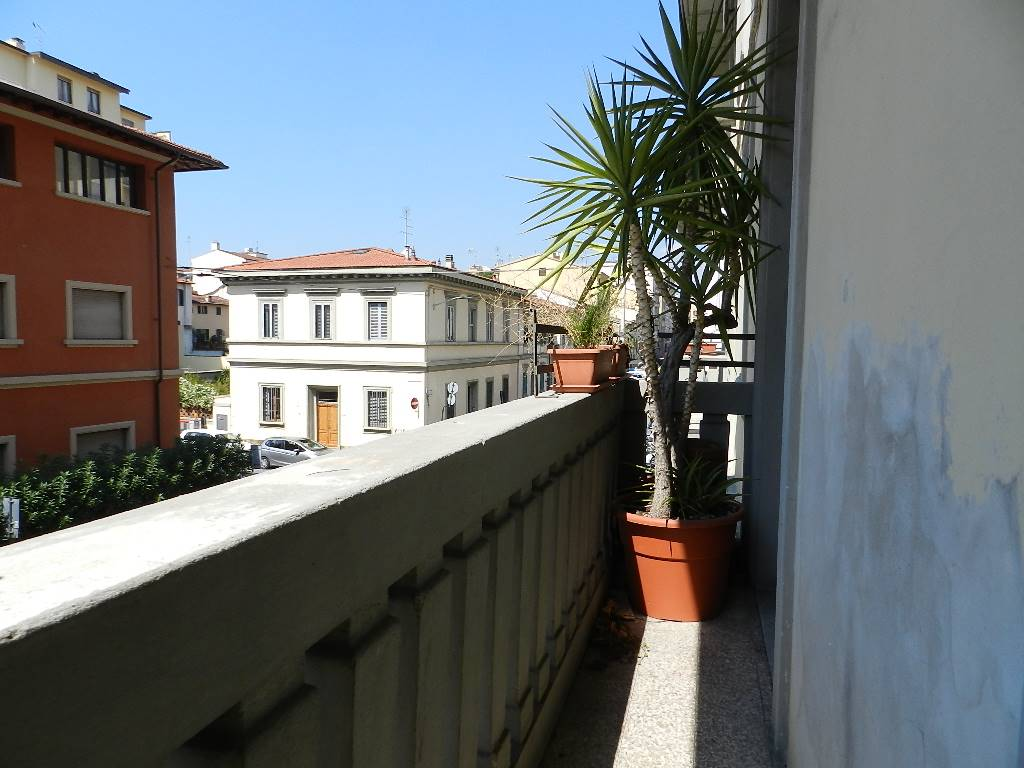 BALCONE FRONTALE