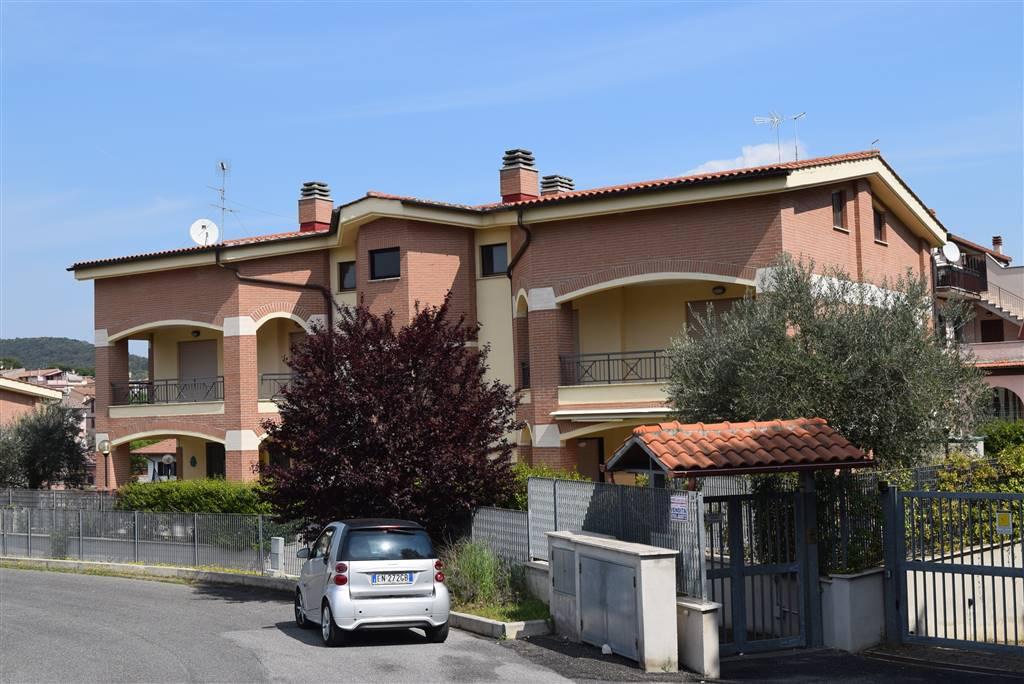 Appartamento in vendita a Fiano Romano, 4 locali, prezzo € 159.000 | CambioCasa.it