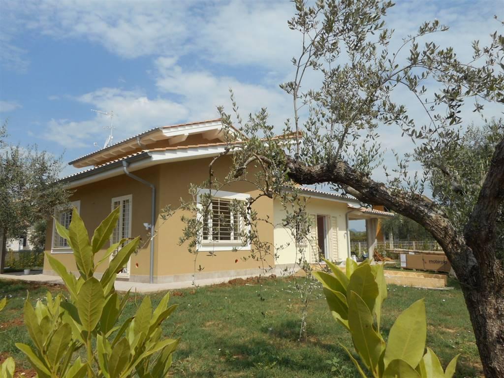 Villa in vendita a Fiano Romano, 5 locali, Trattative riservate | CambioCasa.it