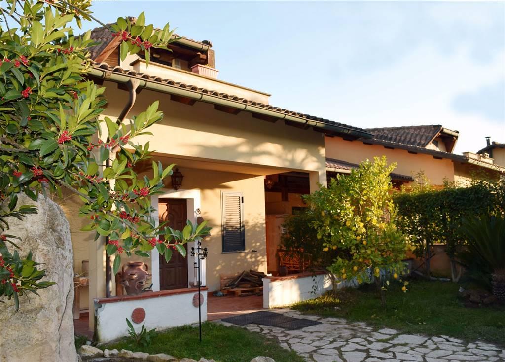 Villa in vendita a Capena, 3 locali, prezzo € 179.000 | CambioCasa.it