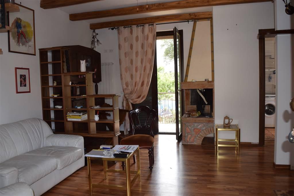 Appartamento in vendita a Capena, 2 locali, prezzo € 105.000 | CambioCasa.it