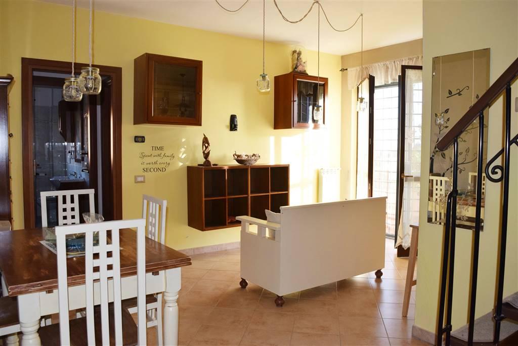 Appartamento in vendita a Fiano Romano, 3 locali, zona Località: CENTRO, prezzo € 129.000 | CambioCasa.it