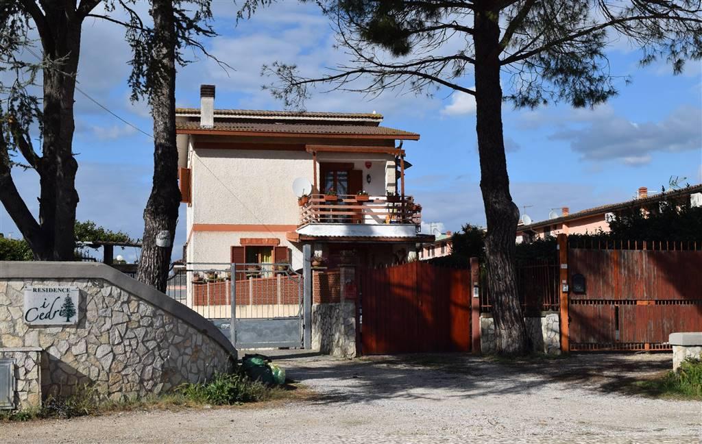 Soluzione Indipendente in vendita a Capena, 4 locali, zona Località: BIVIO, prezzo € 195.000 | CambioCasa.it
