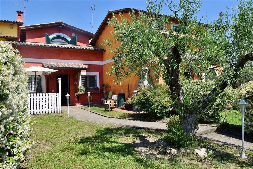 Villa in vendita a Capena, 4 locali, zona Località: SAN MARCO, prezzo € 219.000 | CambioCasa.it