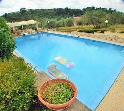 Villa in vendita a Fara in Sabina, 8 locali, prezzo € 169.000 | CambioCasa.it