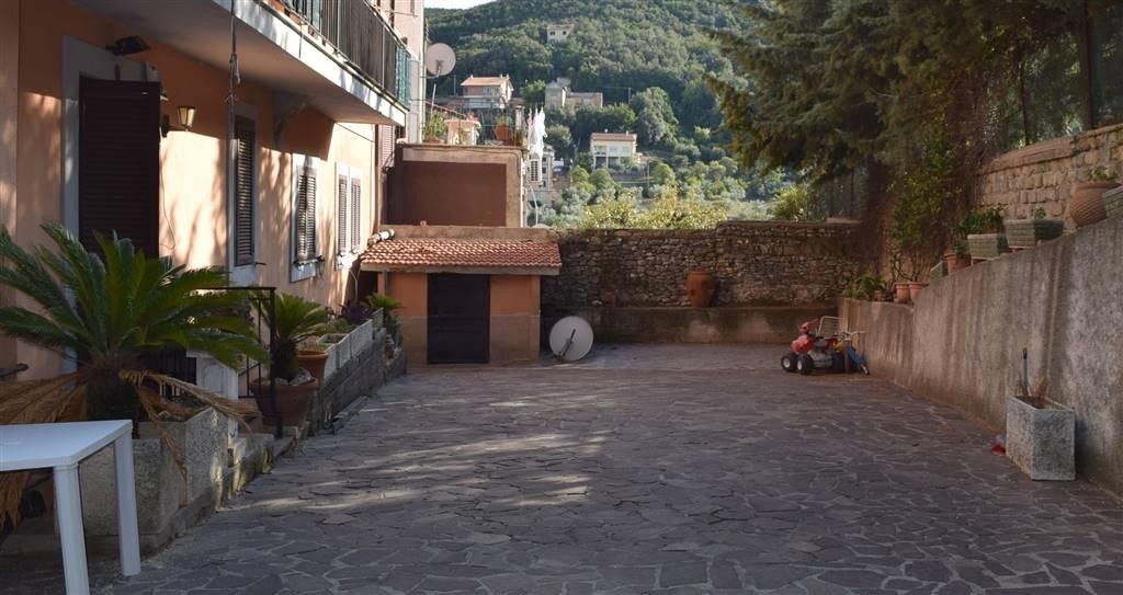 Appartamento in vendita a Nerola, 4 locali, prezzo € 105.000 | CambioCasa.it