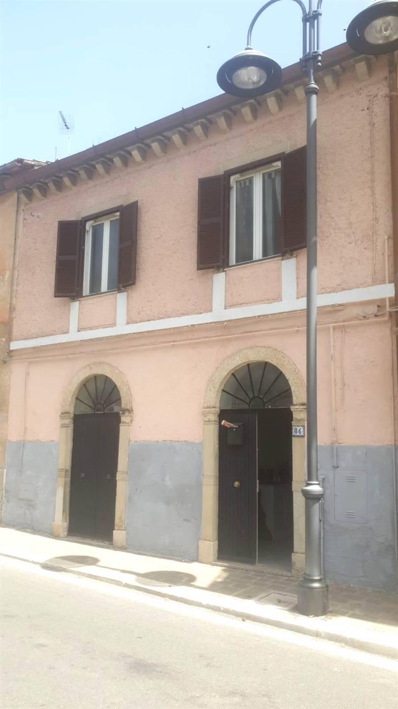 Appartamento in vendita a Civitella San Paolo, 3 locali, prezzo € 79.000   CambioCasa.it