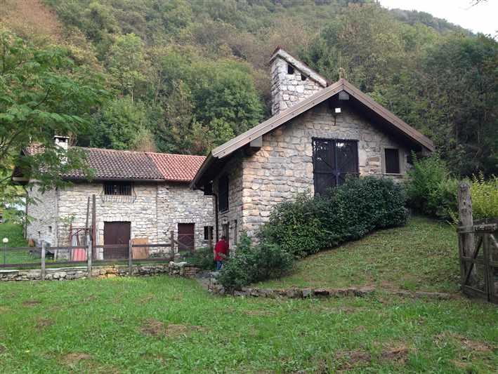 Rustico casale in vendita a Carenno (Lecco) - rif. 1148