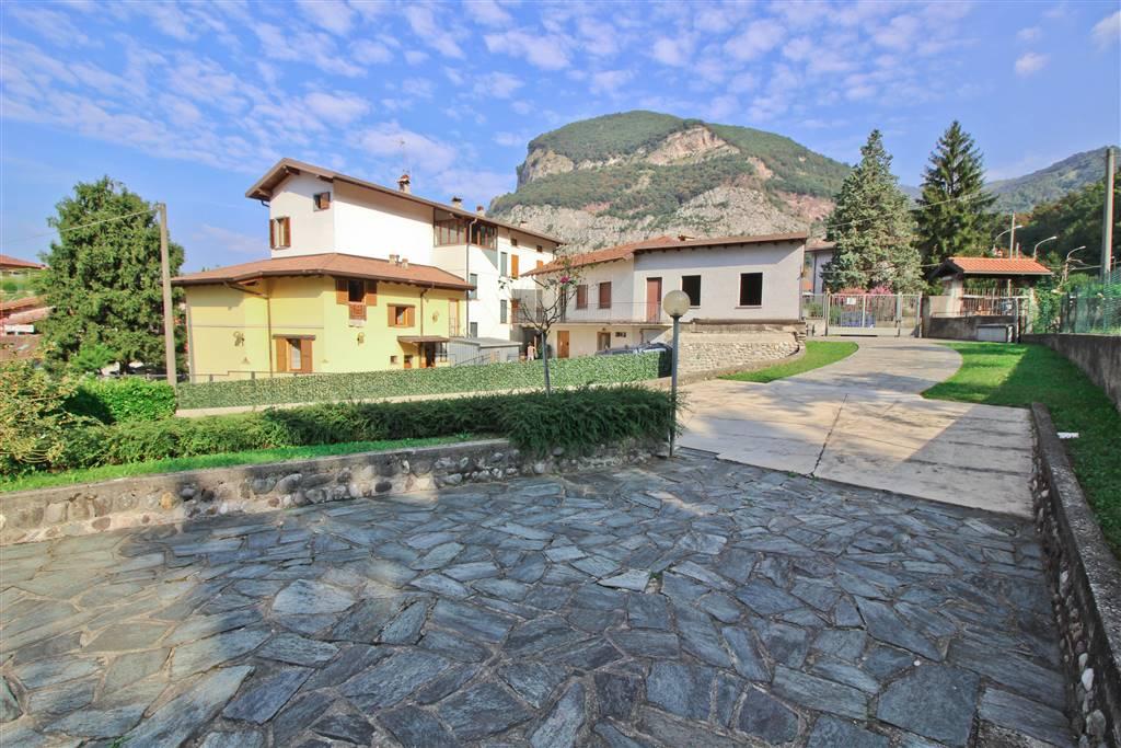 Villa, Rossino, Calolziocorte, abitabile