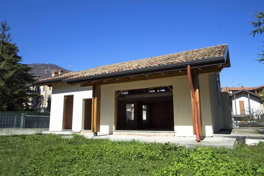 Case como in vendita e in affitto cerco casa como e for Ispezione a casa su nuova costruzione