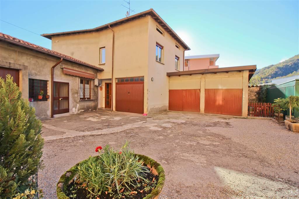 Villa in vendita a Garlate, 6 locali, prezzo € 263.000   CambioCasa.it