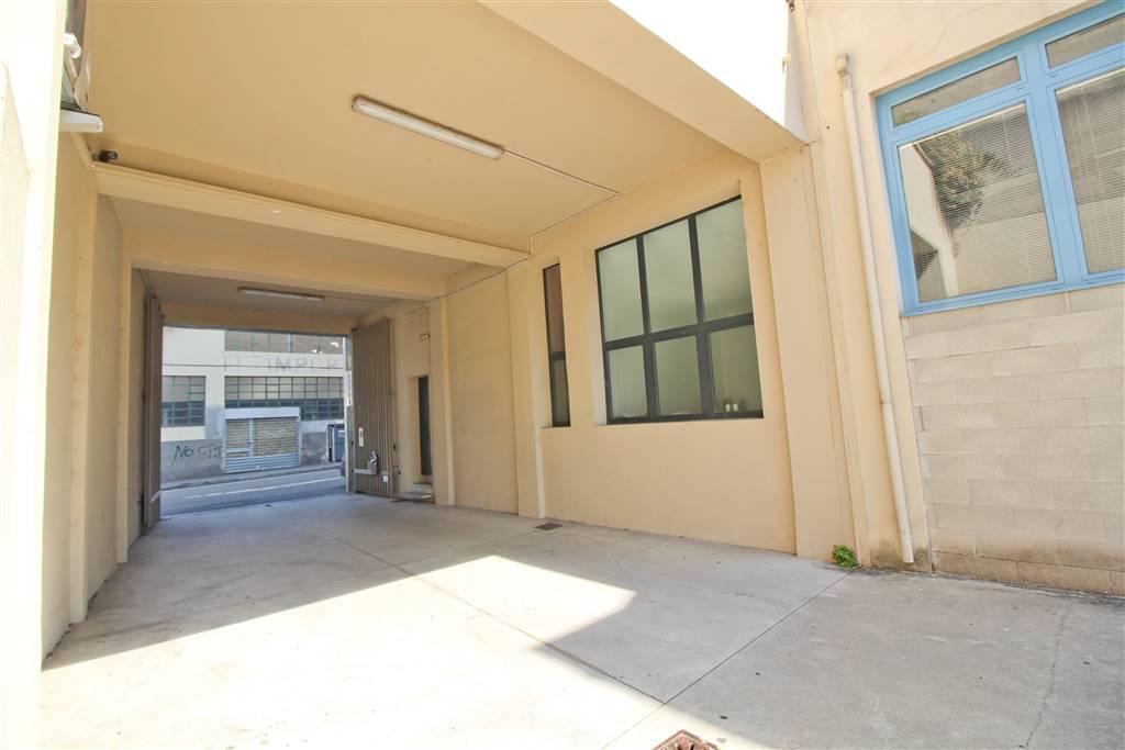Immobile Commerciale in vendita a Lecco, 2 locali, zona Zona: Pescarenico, prezzo € 450.000   CambioCasa.it