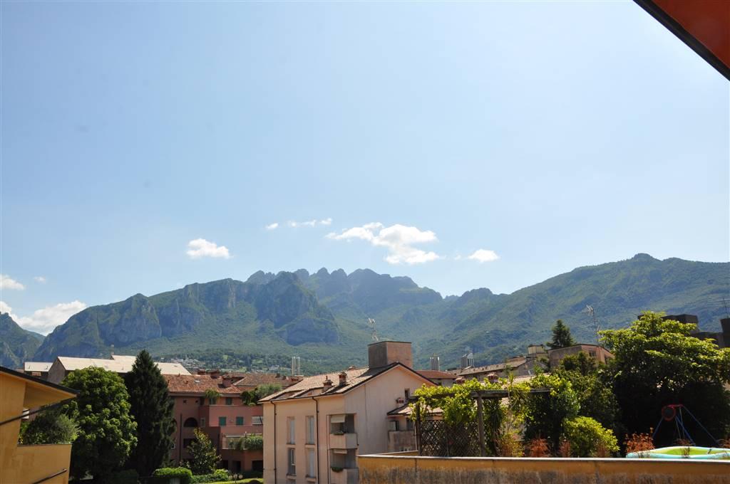 Trilocale in Via Cairoli, Centralissimo, Lecco