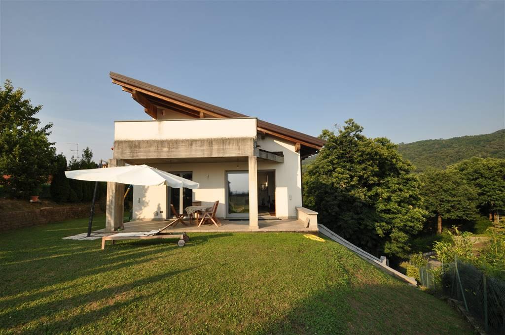 Villa a ELLO