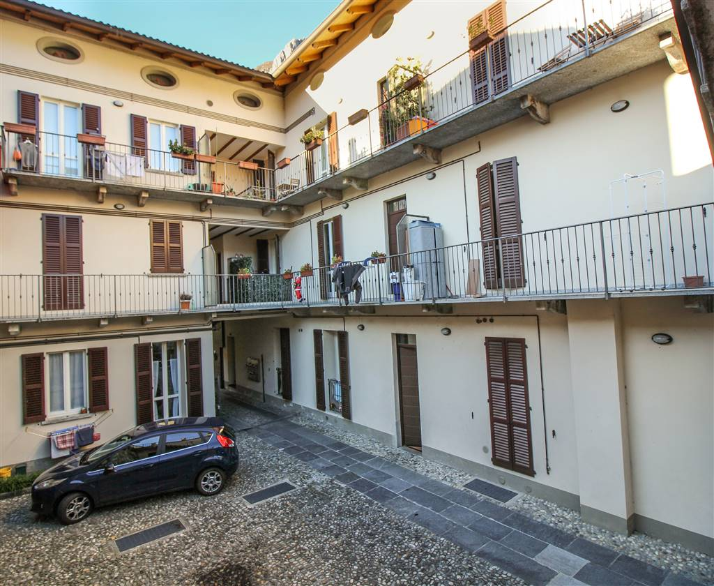 Apartment in LECCO 90 Sq. mt. | 3 Rooms - Garage