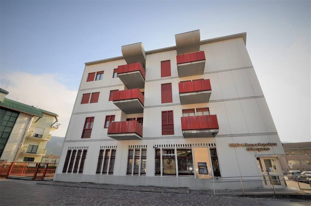 Appartamento in vendita a Cisano Bergamasco, 5 locali, prezzo € 180.000 | CambioCasa.it