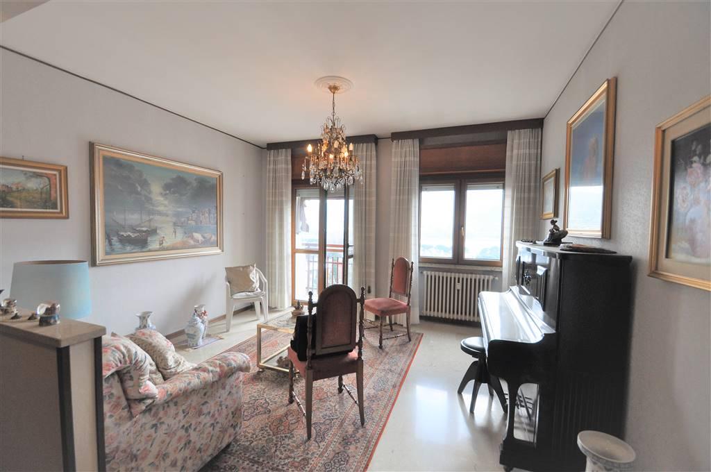 Apartment in CALOLZIOCORTE 115 Sq. mt. | 3 Rooms - Garage | Garden 1000 Sq. mt.