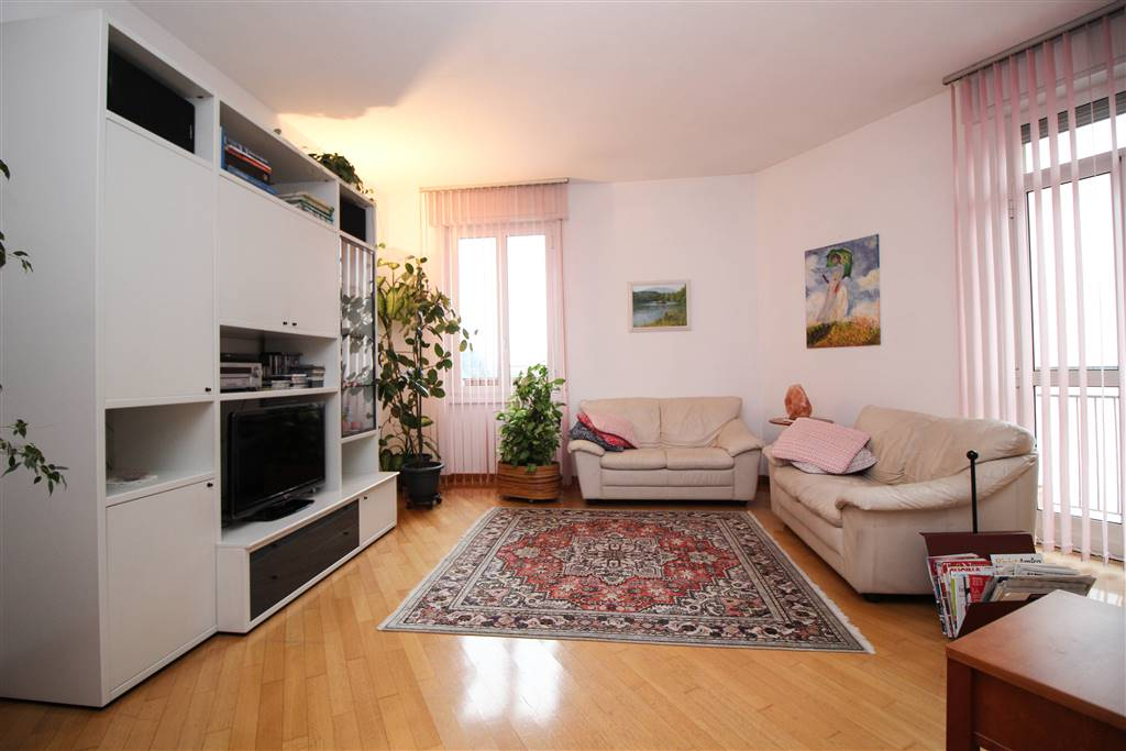 Apartment in LECCO 130 Sq. mt. | 5 Rooms - Garage