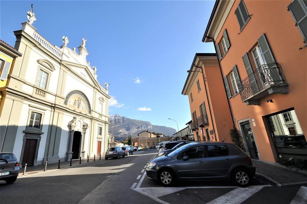 Appartamento, Castello, Lecco, in ottime condizioni