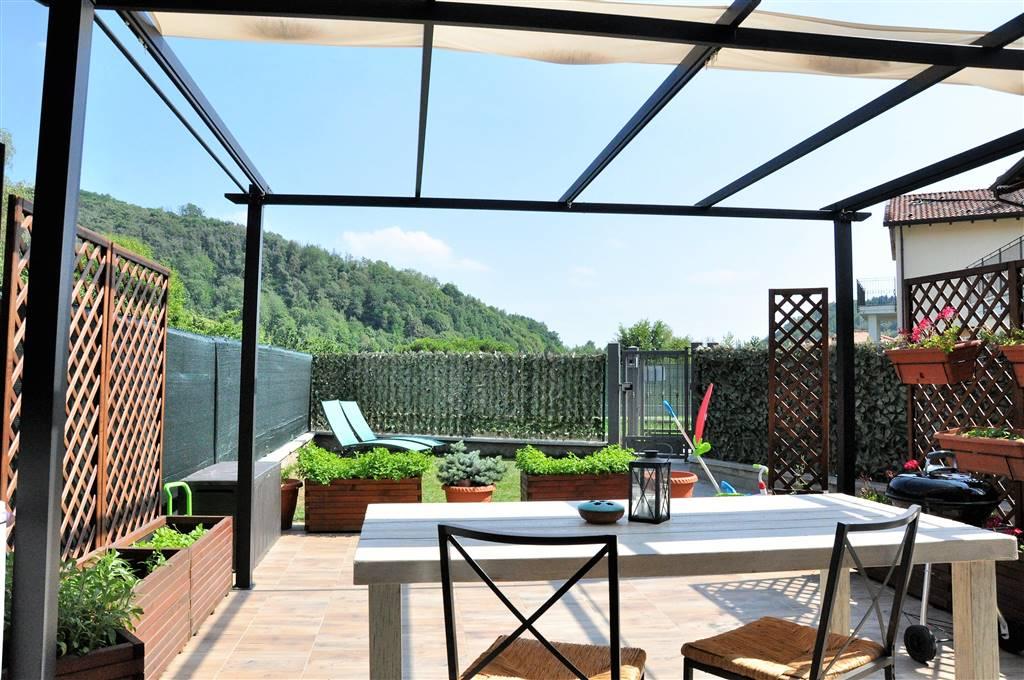 Villa a schiera, Colle Brianza, in ottime condizioni