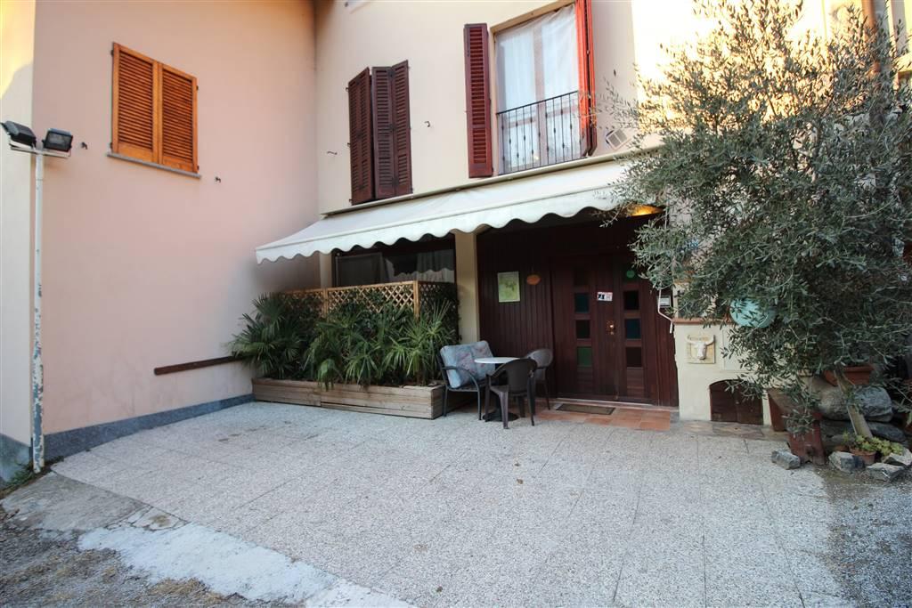 Casa semi indipendente a OGGIONO 240 Mq | 13 Vani | Giardino 900 Mq