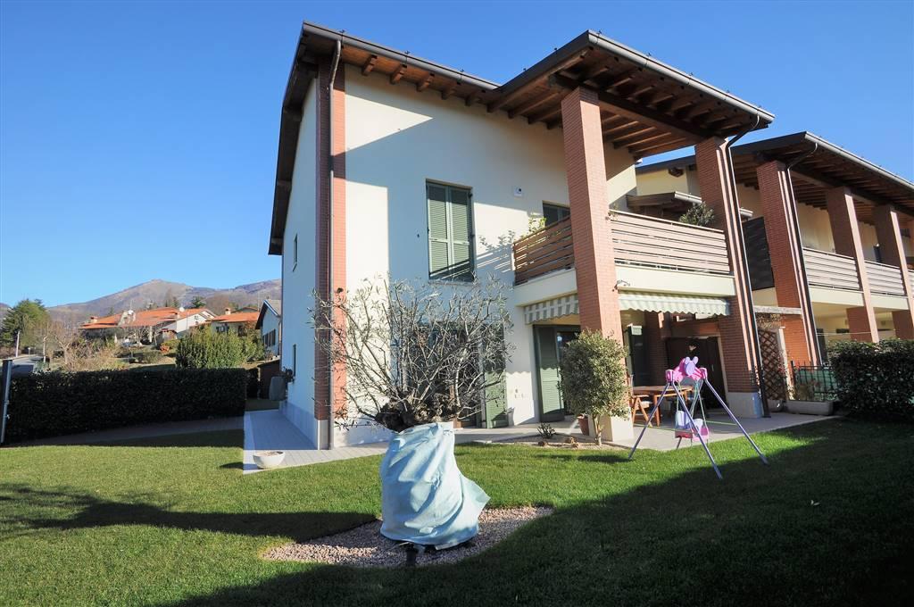 Appartamento in vendita a Caprino Bergamasco, 3 locali, prezzo € 235.000 | CambioCasa.it