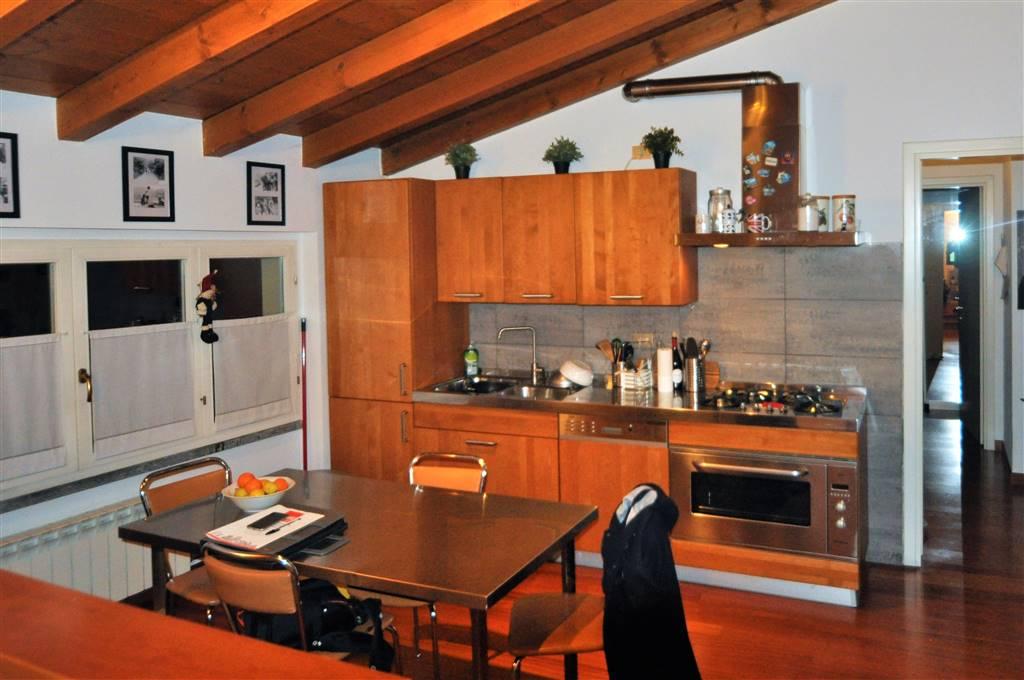 Appartamento in vendita a Galbiate, 3 locali, prezzo € 210.000 | CambioCasa.it