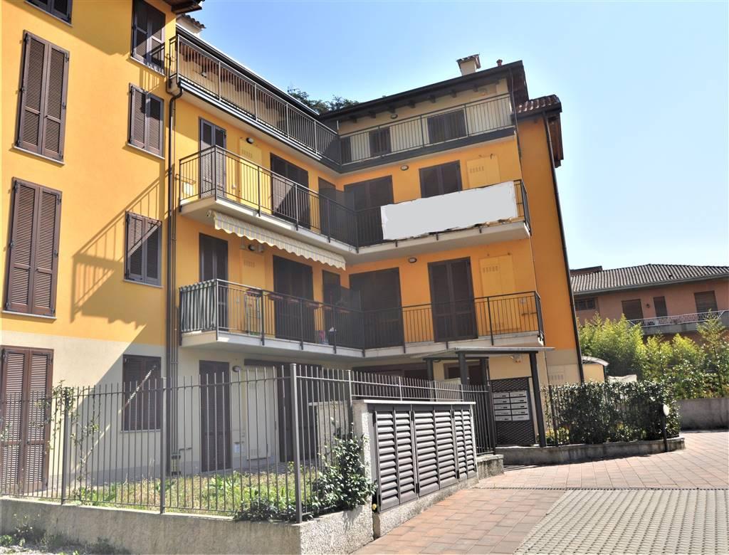 Appartamento in vendita a Calolziocorte, 3 locali, zona Zona: Calolzio centro, prezzo € 160.000 | CambioCasa.it