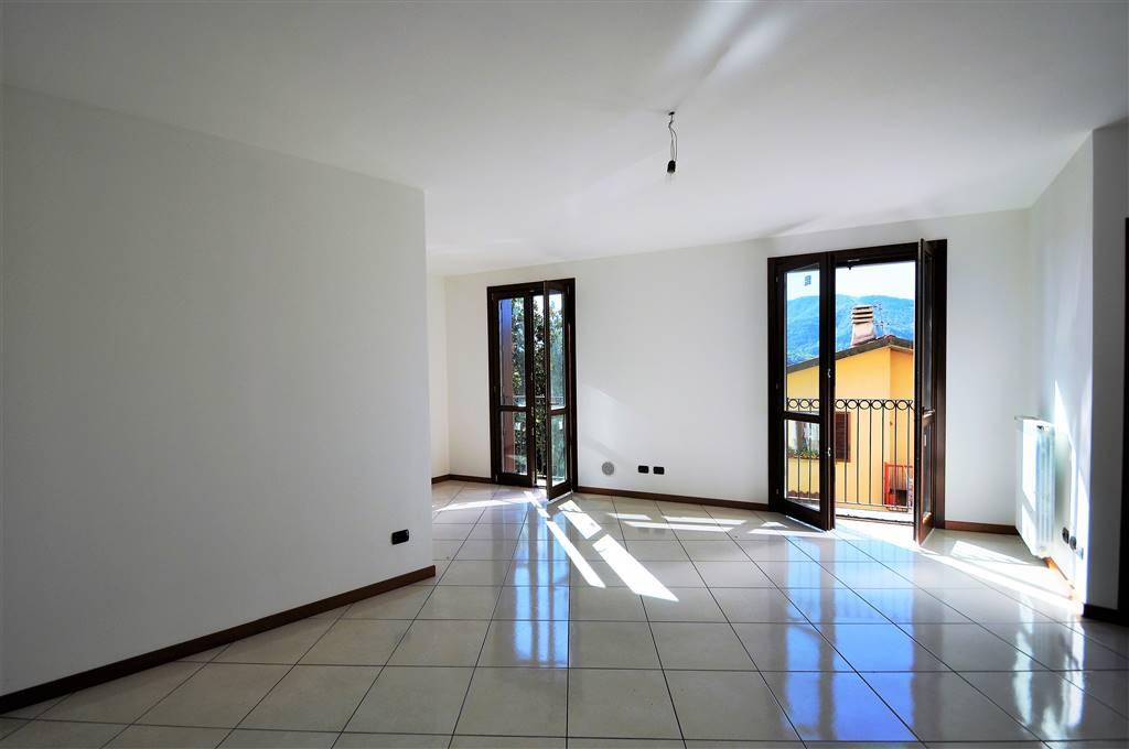 Appartamento in vendita a Calolziocorte, 3 locali, prezzo € 165.000 | PortaleAgenzieImmobiliari.it