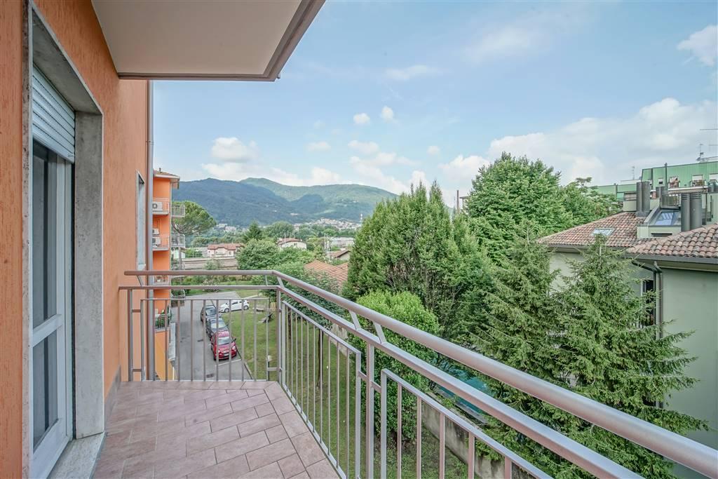 Appartamento in vendita a Calolziocorte, 3 locali, zona Zona: Calolzio centro, prezzo € 137.000 | CambioCasa.it